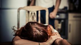 """Twierdziła, że jest sprawcą przemocy, bo katuje męża. """"Pani jest ofiarą. Trzeba się ratować"""" - usłyszała"""