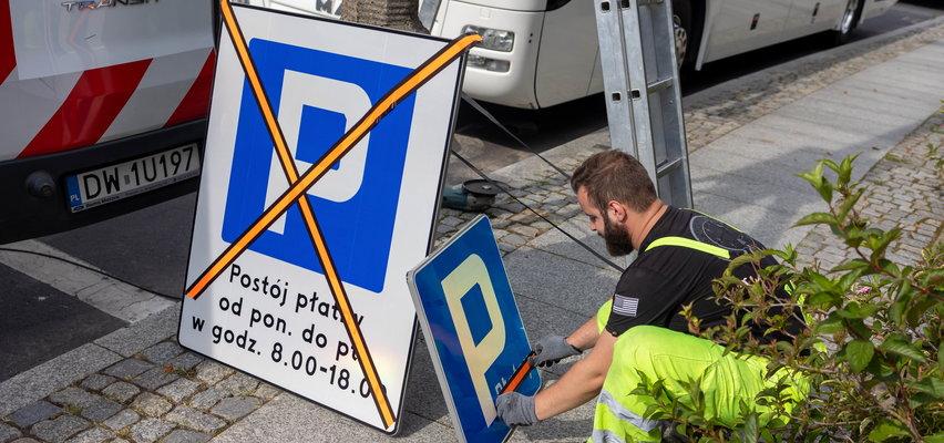Poszerzają strefę płatnego parkowania