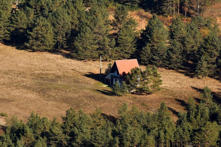 Divcibare, miholjsko leto na planini, kuća