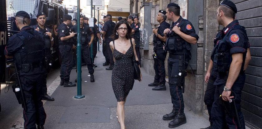 Kobieta całuje policjanta. To prowokacja!