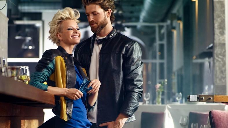 """Najnowsza kolekcja Ochnik oddaje atmosferę i koloryt lata w mieście ― beztroski, wakacyjny klimat zrównoważono w niej biznesowym szykiem, a całość dopełniono szczyptą szaleństwa spod znaku """"fashion""""..."""