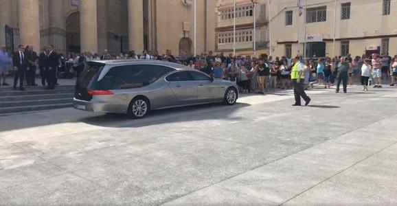 Sahranu milionera pratio je veliki broj medija i hiljadu ljudi /foto: Facebook Malta Independent