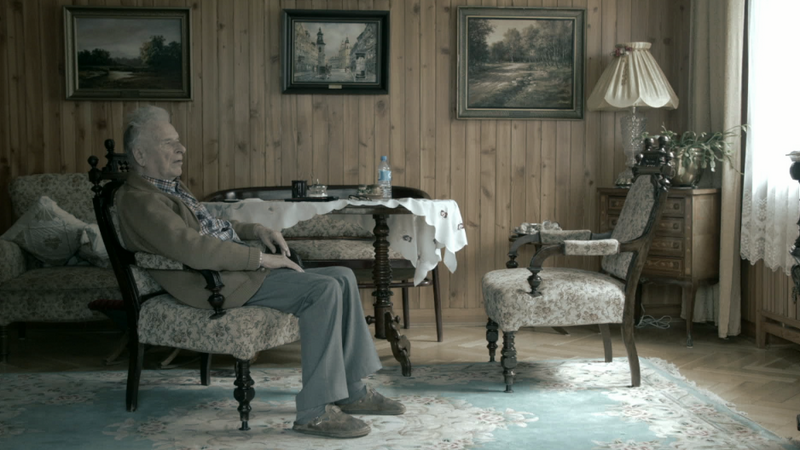"""""""Dziadku nie słyszę"""" - kadr z filmu"""
