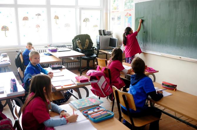 Odrasli često ne primete anksioznost i uplašenost deteta zbog početka školske godine