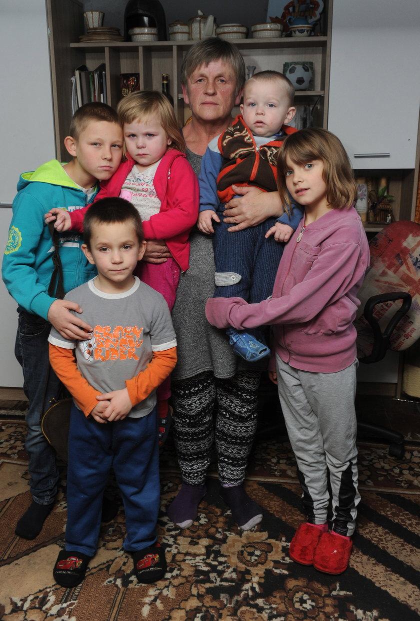 Pani Stanisława z dziećmi