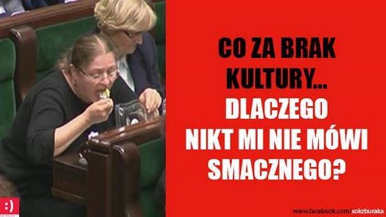 """Krystyna Pawłowicz spożywała posiłek w Sejmie.Później tłumaczyła, że """"lepiej posilić się kanapką, niż zachowywać jak po spożyciu"""""""