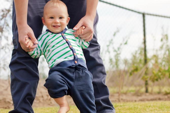 Roditelj ne treba da forsira dete, već da bude tu da mu pomogne i pruži ruku kada vidi da želi da napravi korak