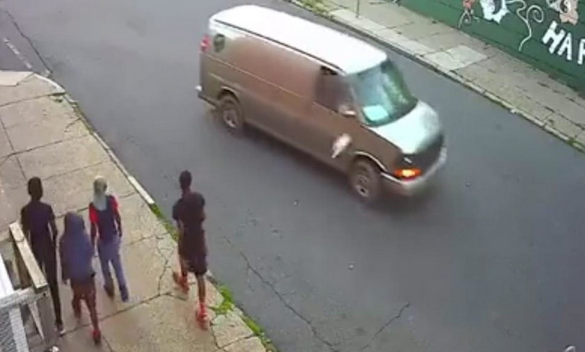 USA. Nastolatkowie rzucali butelkami w samochody i trafili w dziecko