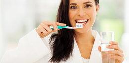 Często myjesz zęby? Sam sobie szkodzisz!