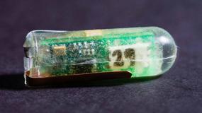 Elektroniczna pigułka zasilana kwasem