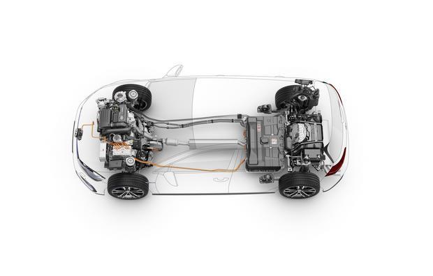 Volkswagen Golf GTE ma akumulatory w tylnej części. Ładowanie przez gniazdo z przodu