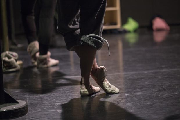 Bycie tancerzem baletowym wymaga szczególnych predyspozycji fizycznych i psychicznych