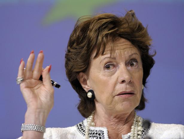 """Zdaniem unijnej komisarz ds. agendy cyfrowej Neelie Kroes wtorkowe głosowanie to ważny krok ku """"dynamicznemu i konkurencyjnemu sektorowi telekomunikacyjnemu""""."""