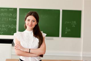 Wynagrodzenia nauczycieli powiązane ze średnią w gospodarce? ZNP rozpoczyna zbiórkę podpisów