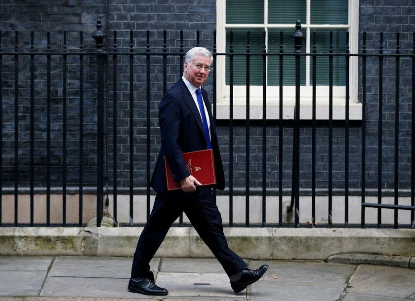 Nie tak dawno w Wielkiej Brytanii było głośno o dymisji ministra obrony Michaela Fallona