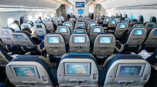 Szwajcaria: Linie lotnicze zwolnią niezaszczepionych pracowników pokładowych