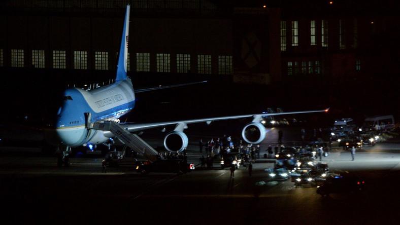 Samolot Air Force One z prezydentem USA Barackiem Obamą na pokładzie