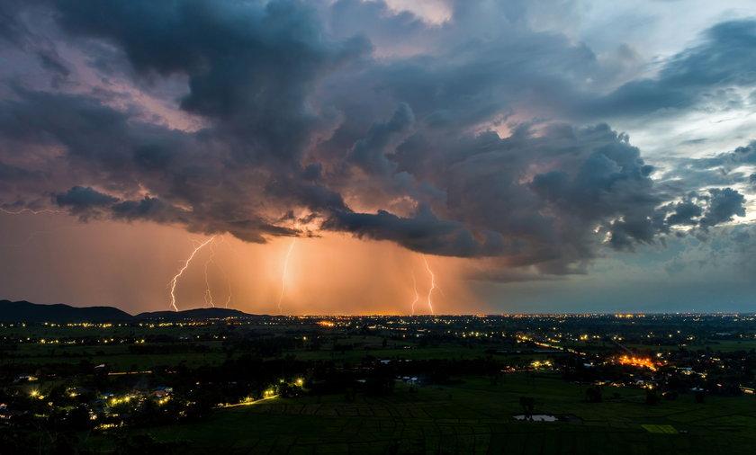 Pogoda. IMGW ostrzega. Gdzie będą burze z gradem?