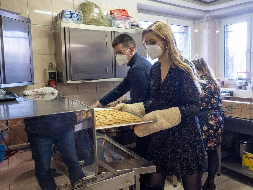 Pieczenie ciastek na wielkanocny obiad Zupy na Pietrynie