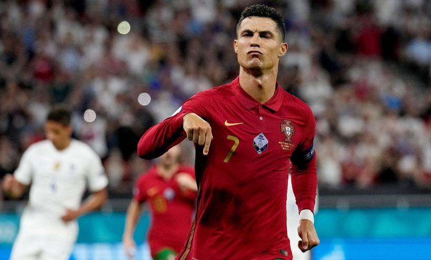 Cristiano Ronaldo nie obronił ze swoją drużyną tytułu mistrza Europy, ale na pocieszenie Portugalczyk został królem strzelców Euro 2020