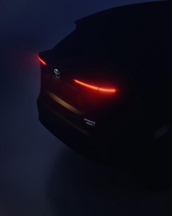 Nazwę nowego modelu SUV, planowany poziom produkcji oraz datę wprowadzenia do sprzedaży japoński producent obiecał podać później. Pochwalił się jednak pierwszym zdjęciem auta.