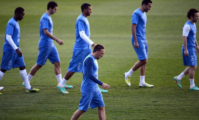 Trening piłkarzy Francuskich przed meczem z Hiszpanią.