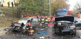 Czołowe zderzenie w Gorzowie Wielkopolskim. Z aut zostały wraki
