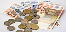 Czy się stoi, czy się leży 800 euro się należy