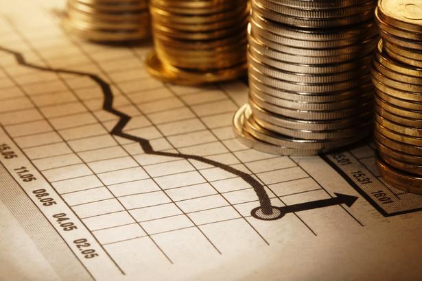 W Radzie najprawdopodobniej przeważyły obawy o utrzymującą się od wielu już miesięcy, i znacząco przekraczającą cel NBP, inflację, jak również ponowny wzrost oczekiwań inflacyjnych.