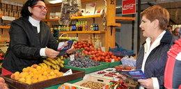 Szydło ruszyła w Polskę. W Krakowie odwiedziła plac targowy