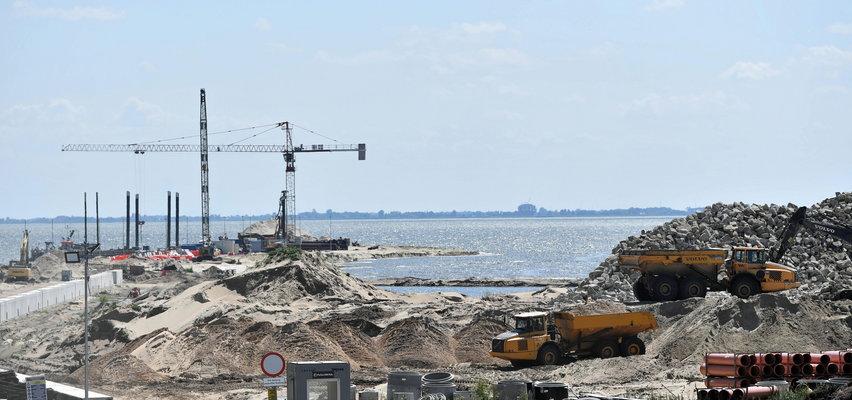 Koszmarny wypadek na budowie przekopu Mierzei Wiślanej. 48-latek był reanimowany