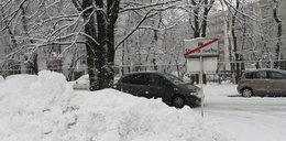 Uwaga na drogach! Śnieg sparaliżował południe Polski