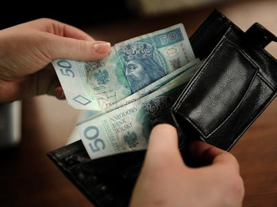 Brytyjski ekonomista twierdzi, że dochód powszechny jest taki tylko z nazwy. Zawsze będzie kryterium ograniczające możliwość jego uzyskania