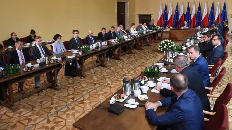 Rząd Ewy Kopacz odbył dzisiaj wyjazdowe posiedzenie w Krakowie