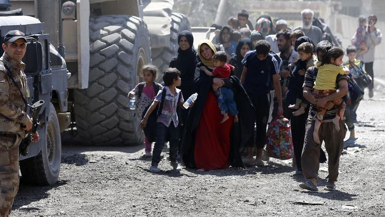 Ciężkie walki toczą się w Mosulu od roku. ONZ informuje o mordzie dokonanym przez ISIS na cywilach