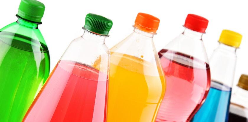 Rząd wprowadzi kaucję na plastikowe butelki. Ile zapłacimy?