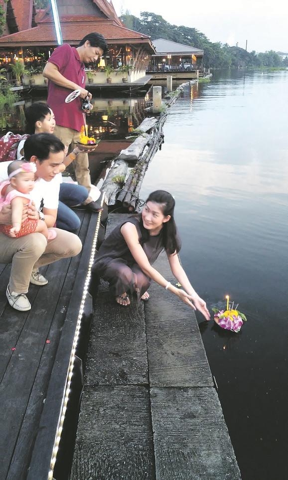 Tradicija: Festival Kratong