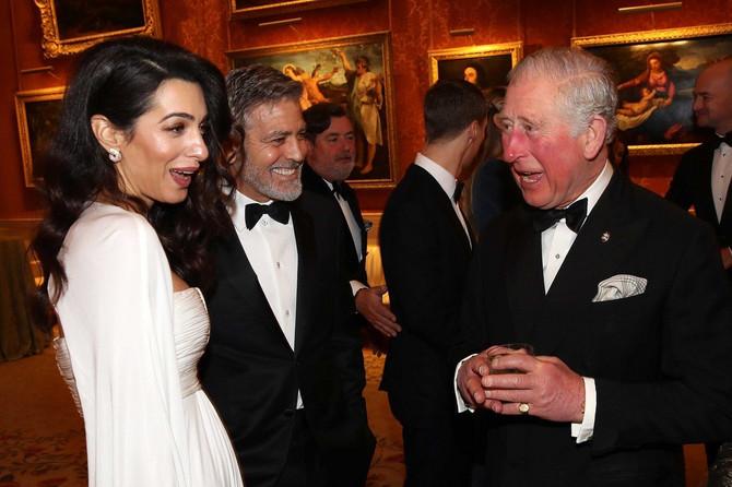 Amal i Džordž Kluni na večeri u Bakingemskoj palati