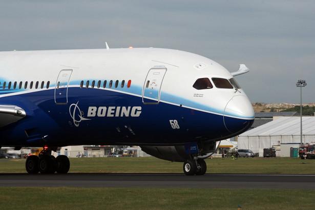 Najnowocześniejszy samolot świata Boeing 787 Dreamliner na 49. Air Paris Show.