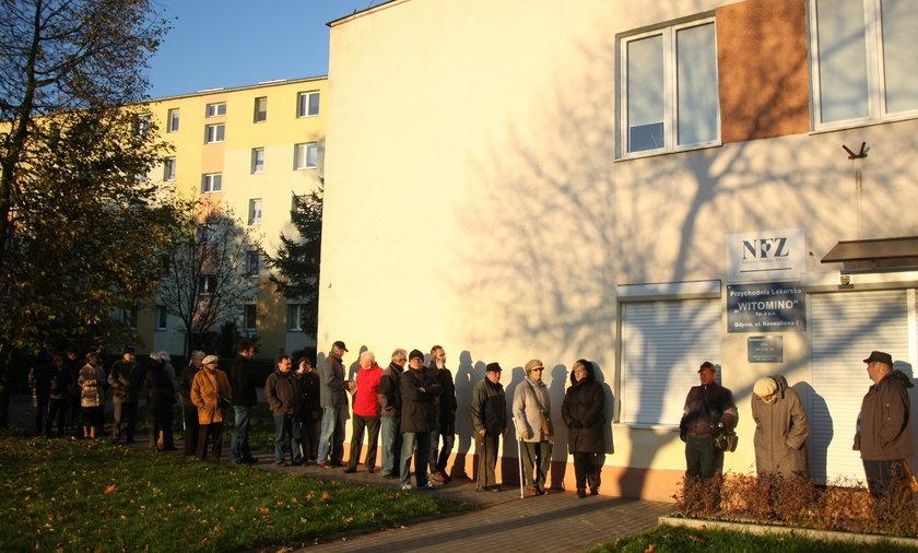 Kolejka do przychodni w Gdyni
