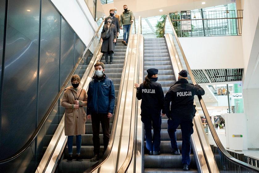 POLICJA W CENTRACH HANDLOWYCH