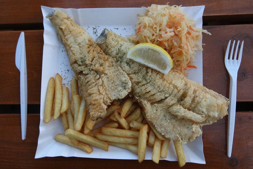 Kiedy najlepiej jeść rybę? Dlaczego nie wolno jeść ryby latem?