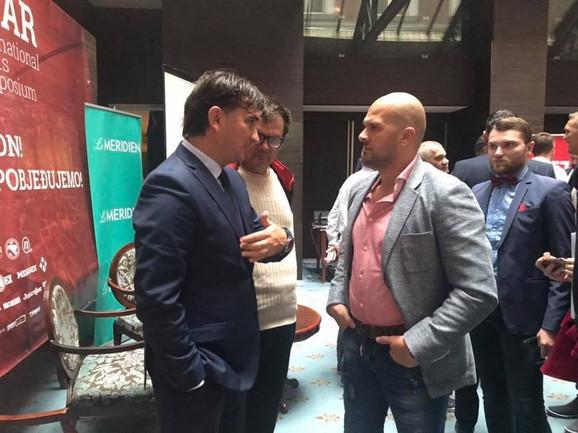 Zlatko Dalić u srdačnom razgovoru sa našim trenerom Slavkom Matićem