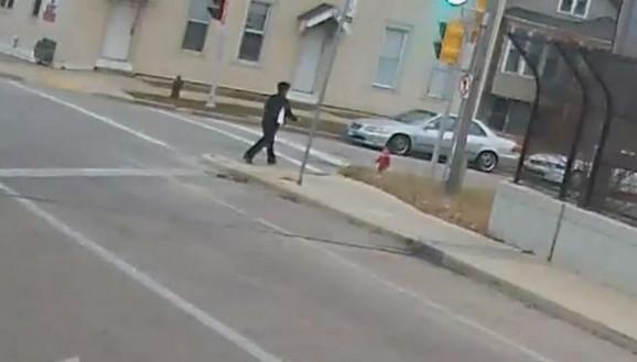Irena je ugledala dete na ulici i potrčala ka njemu