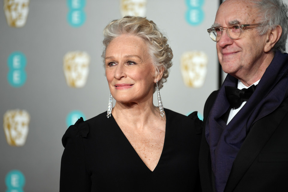 Glenn Close i Jonathan Pryce