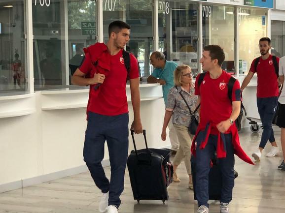 Igrači FK Crvena zvezda na aerodromu