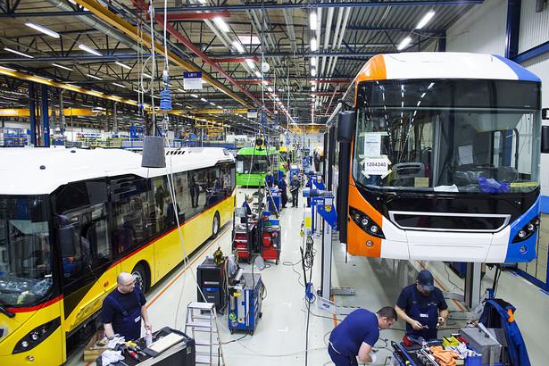 Montaż autobusów Volvo w fabryce we Wrocławiu