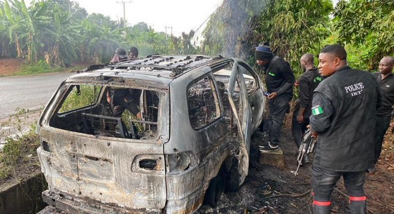 Police in Imo burn vehicles of hoodlums (Imo Police Command)