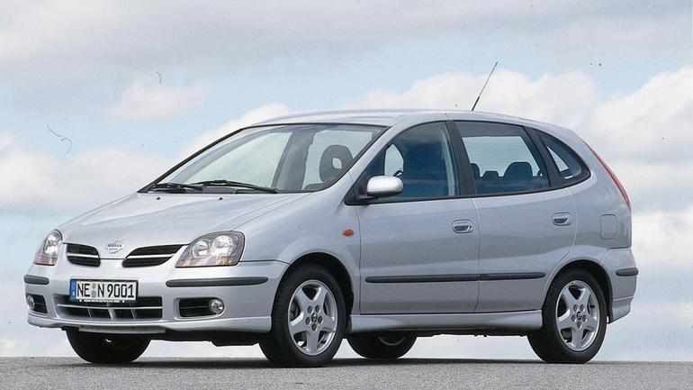 Nissan Almera Tino: zakup wysokiego ryzyka