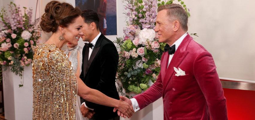 """""""No time to die"""". Gwiazdy na premierze nowego Jamesa Bonda. Kate Middleton zadała szyku na czerwonym dywanie!"""